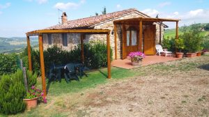 Agriturismo Felciano owner-direct holiday cottage near Panzano in Chianti